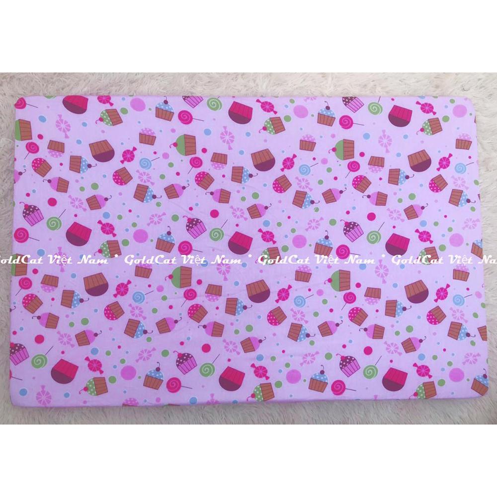 Ga vải bọc đệm cũi cho bé (72x110, Bánh Ngọt Hồng)