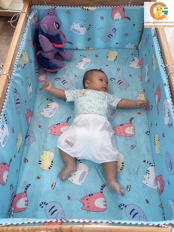 Bộ quây cũi và ga vải bọc đệm cho bé GoldCat - Chất liệu thô lụa (Chuột xanh, 62x100)
