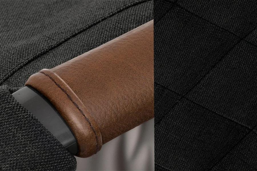 Ghế ngồi ô tô trẻ em Joie Spin 360™ Signature Noir được làm từ da cao cấp và vải thượng hạng
