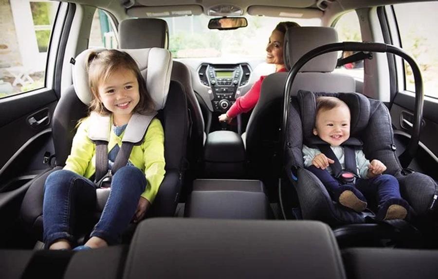 Ghế ngồi ô tô trẻ em Joie i-Gemm 2 Pavement cực kỳ an toàn với mút hoạt tính Intelli-Fit™ bảo vệ bé từ 2 bên