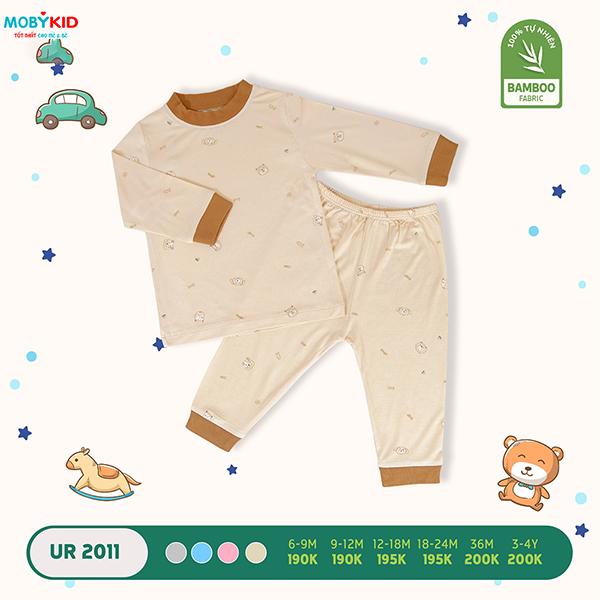 Lên đồ quần áo thời trang sơ sinh cho bé yêu cùng bố mẹ đi chơi Tết Dương lịch