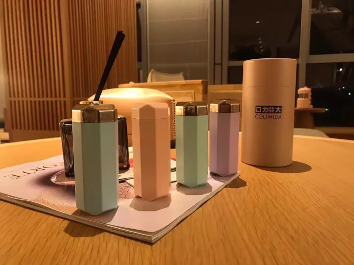 Máy diệt khuẩn UV Colimida Nhật Bản cầm tay - Màu Hồng