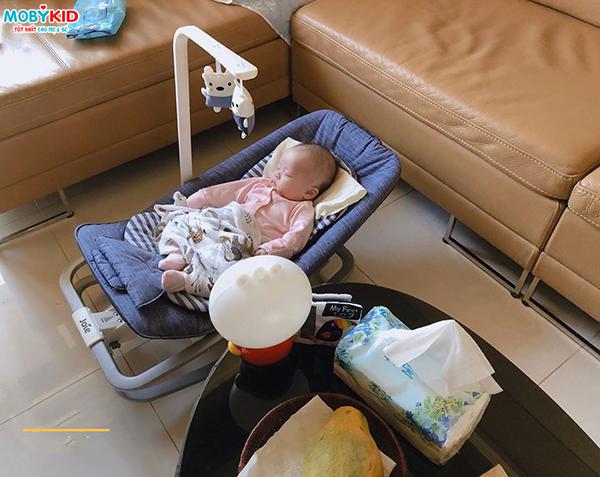 Mẹ bỉm sữa có nên cho bé sử dụng ghế rung và ghế rung cho bé loại nào tốt nhất hiện nay?