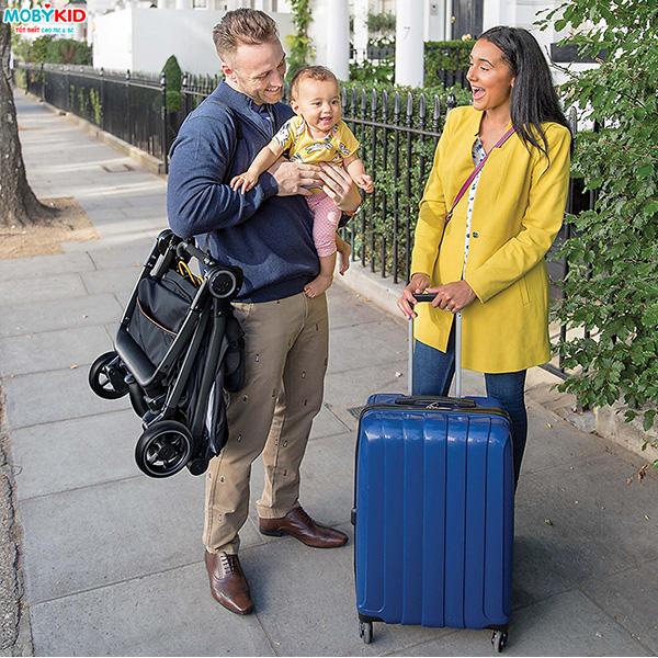 Review Top các loại xe đẩy em bé tốt giúp ba mẹ dễ dàng di chuyển bằng xe máy hiện nay